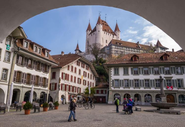 Thun castle from Rathausplatz
