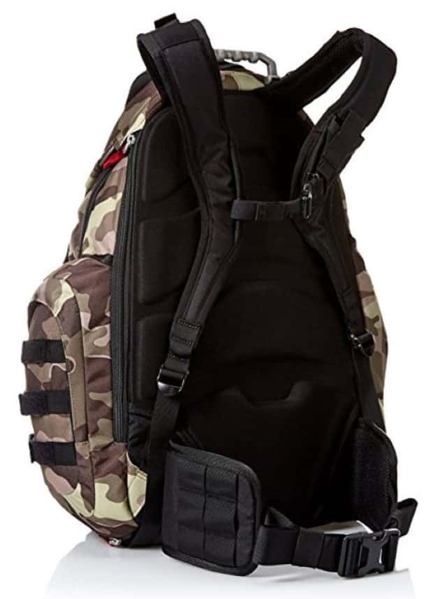 The padded shoulder straps fall in the right place on the shoulders and donu0027t pull when weighted down. It has adjustable sternum and hip straps for extra ...  sc 1 st  Expert World Travel : oakley backpack kitchen sink - hauntedcathouse.org