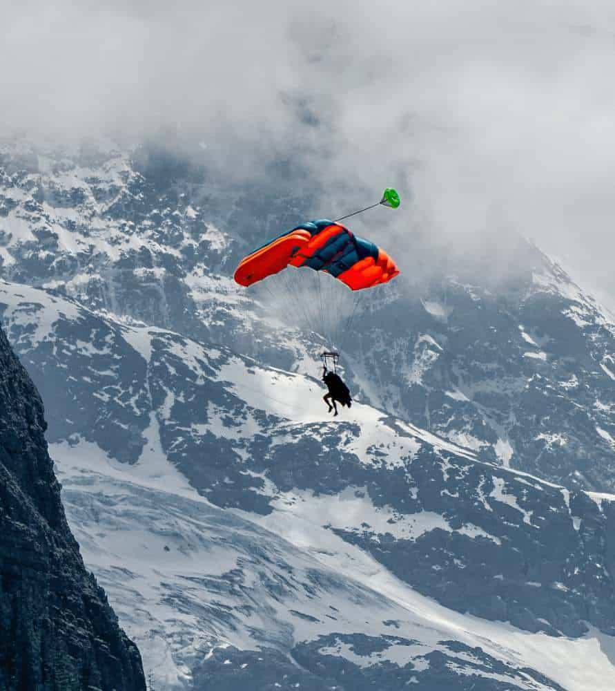 lauterbrunnen skydiving