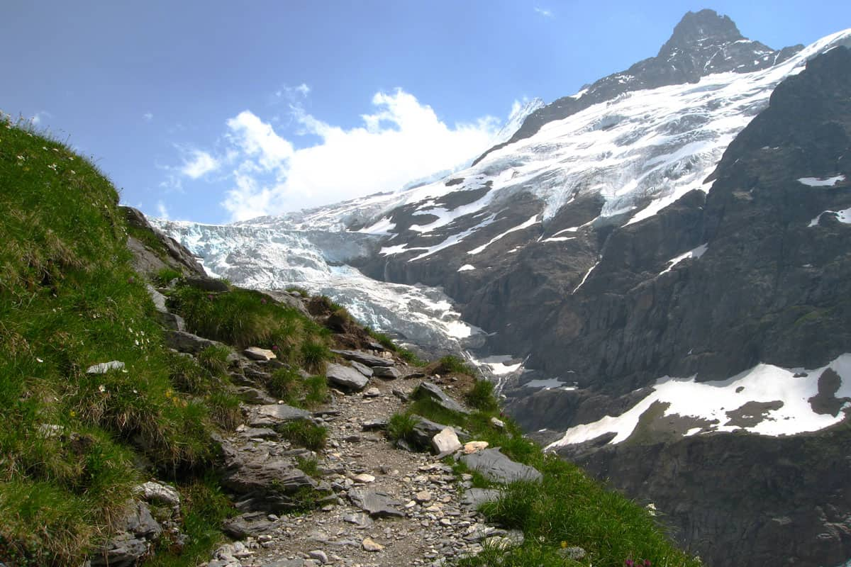 gleckstein hut hike