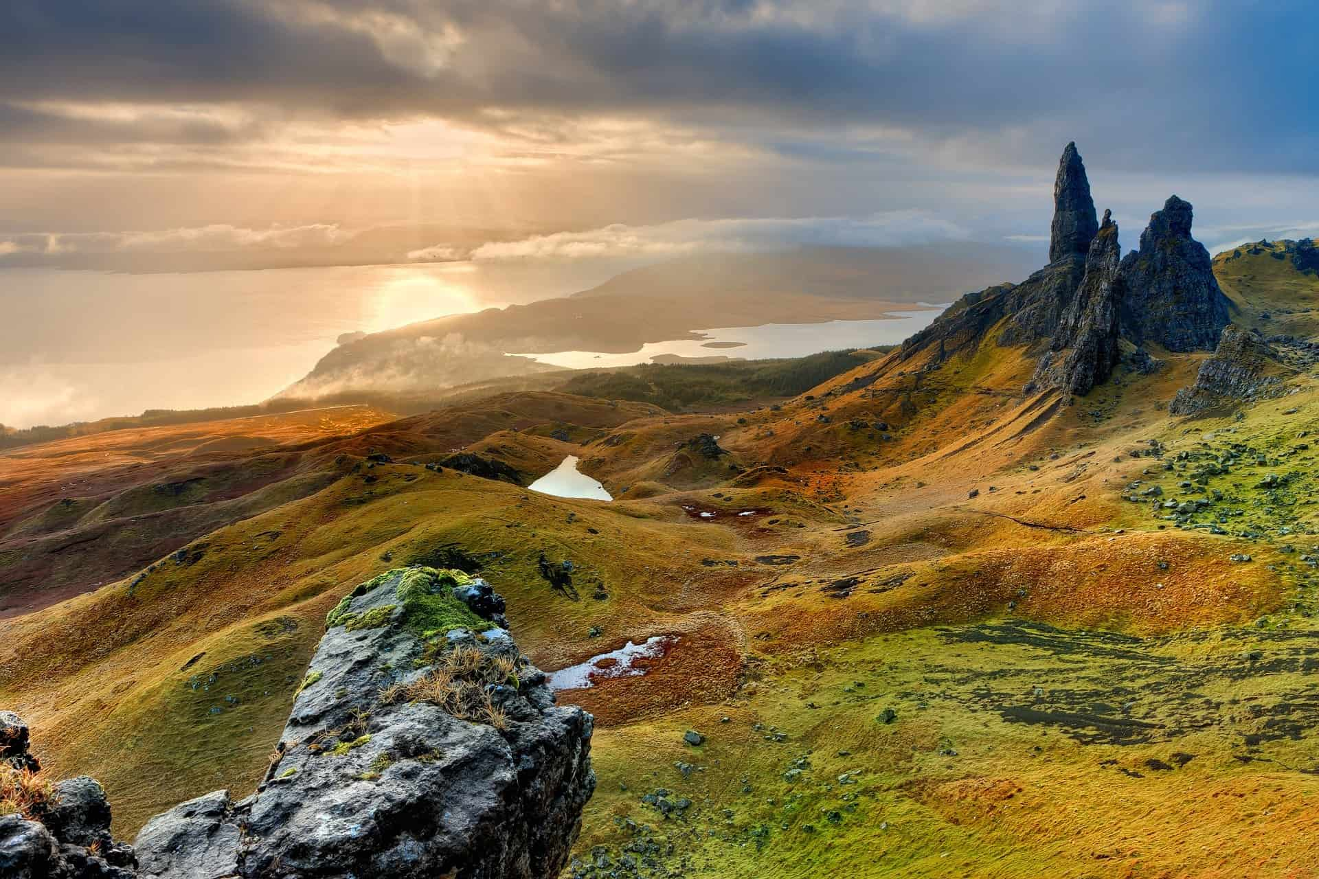 old man of storr hikes scotland