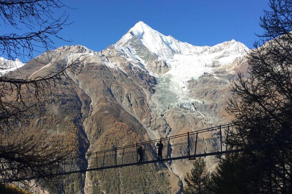 longest pedestrian suspension bridge switzerland
