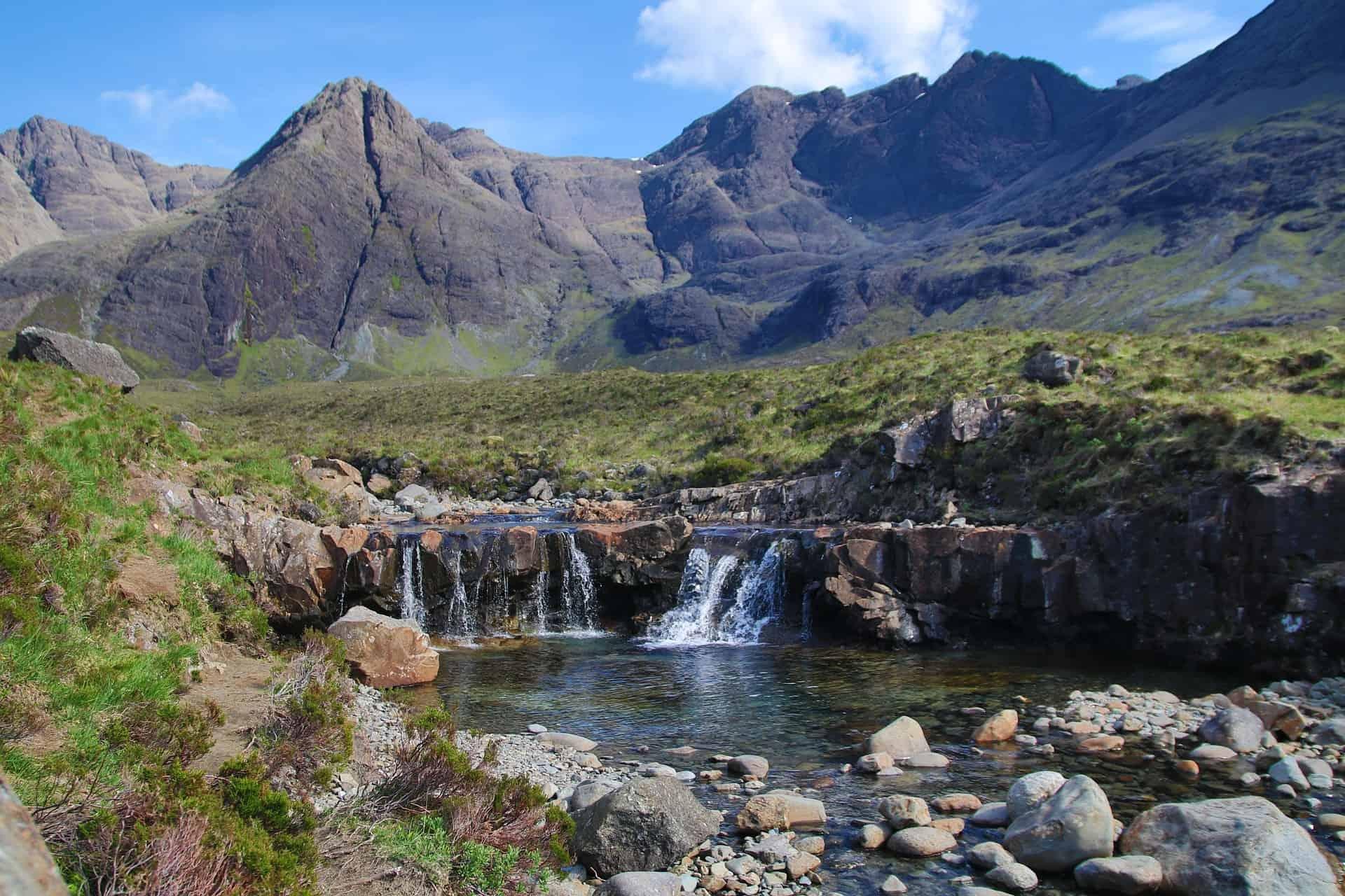fairy pools scotland hike