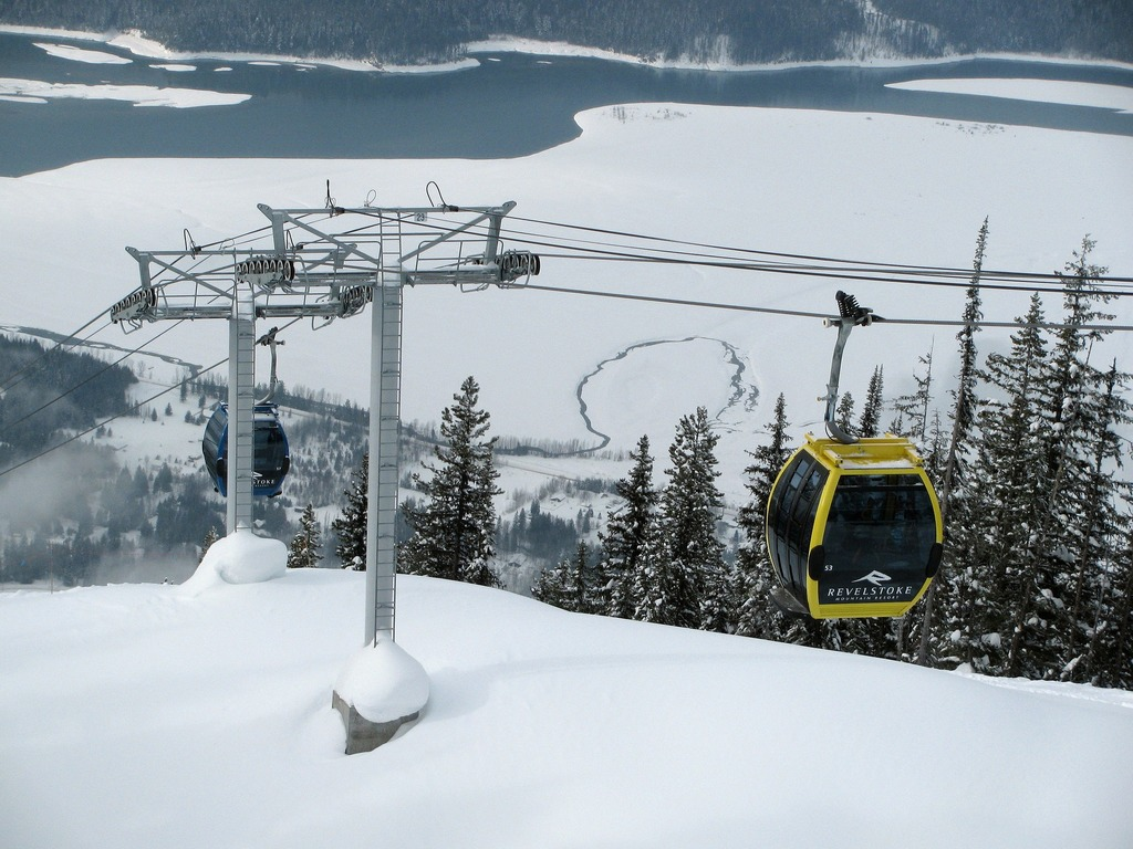 revelstoke best ski resort canada